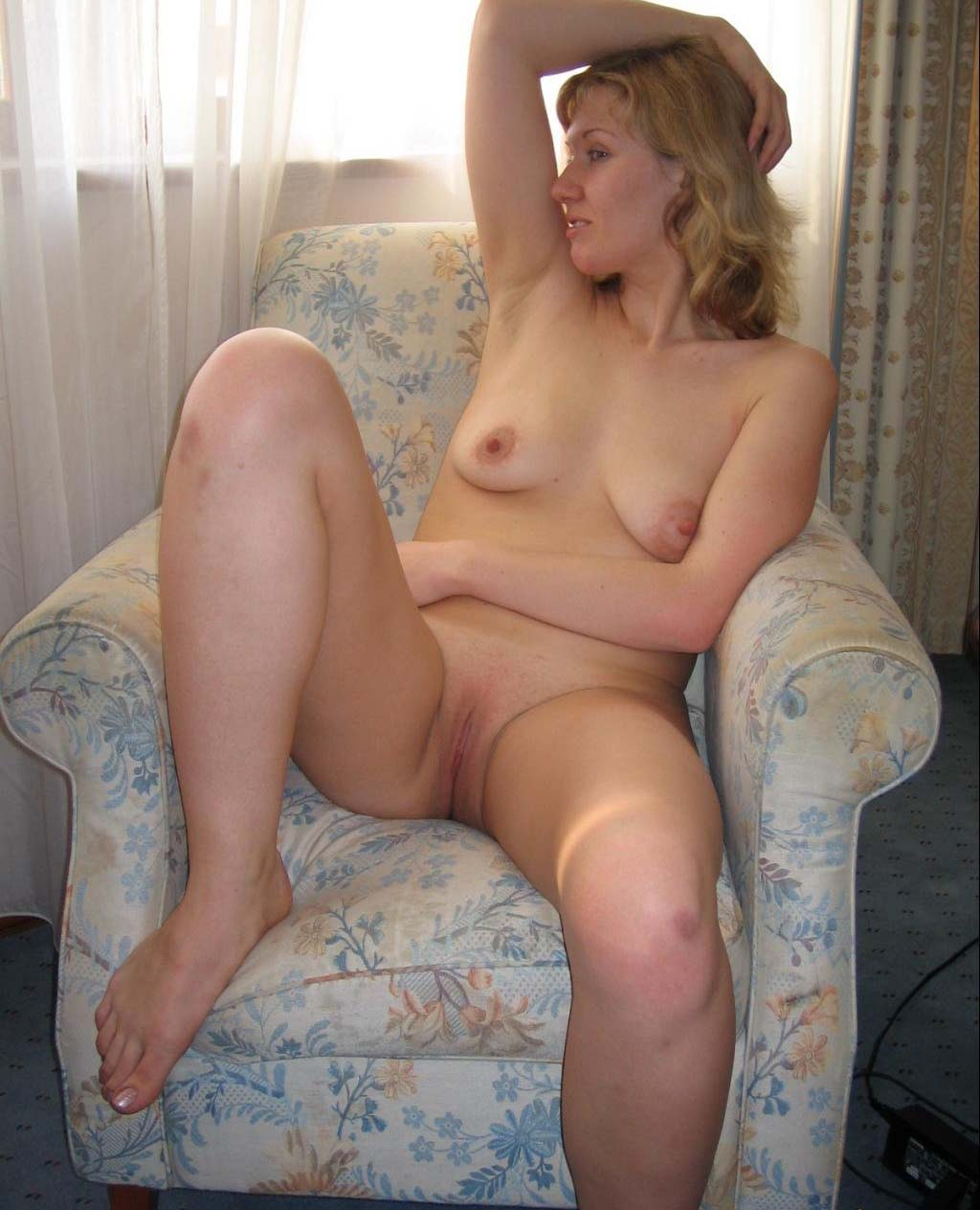 Фотоподборка домашних голых девушек 20 фотография