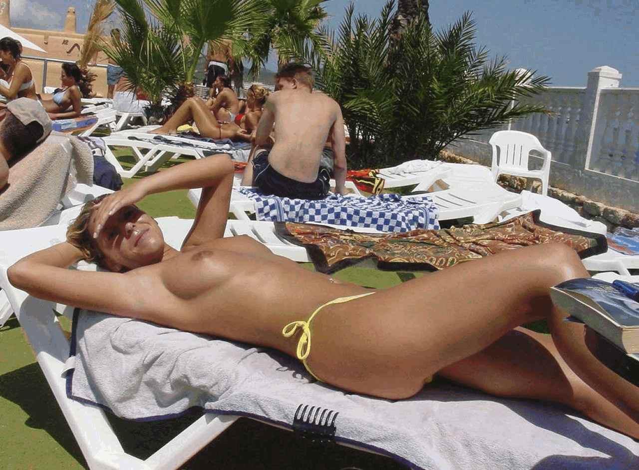 Фото голые пляж испания 17 фотография