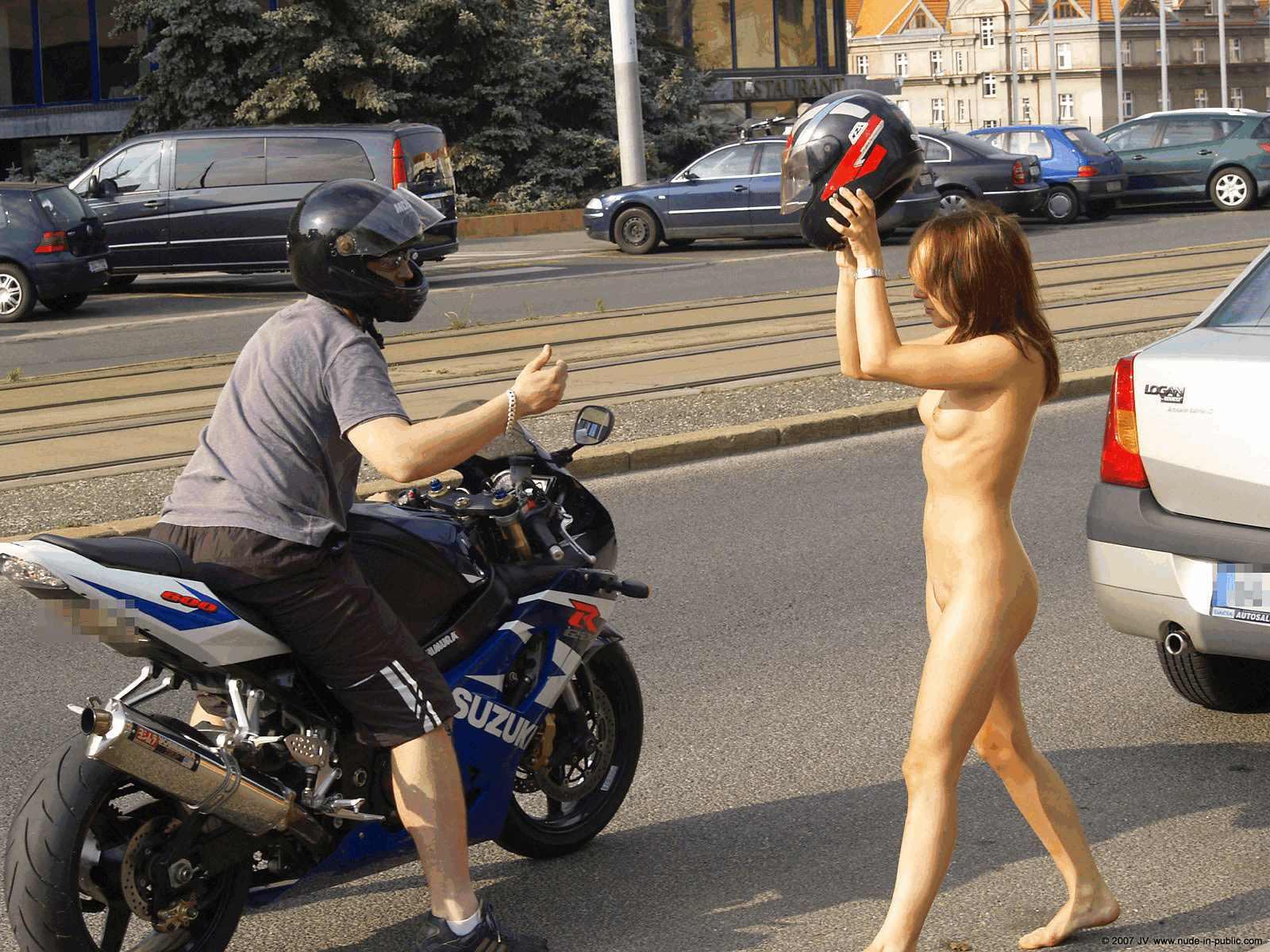 Фото голая на мотоцикле 11 фотография