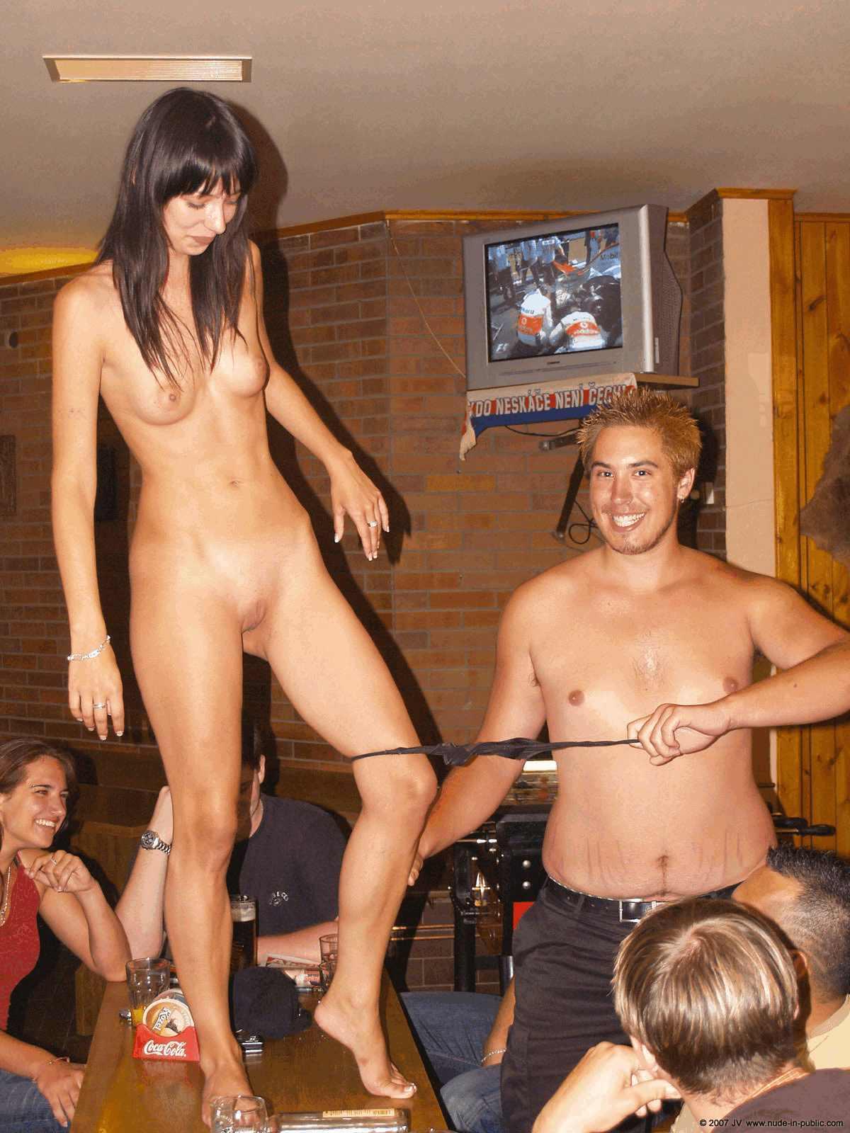 striptiz-erotika-studentki