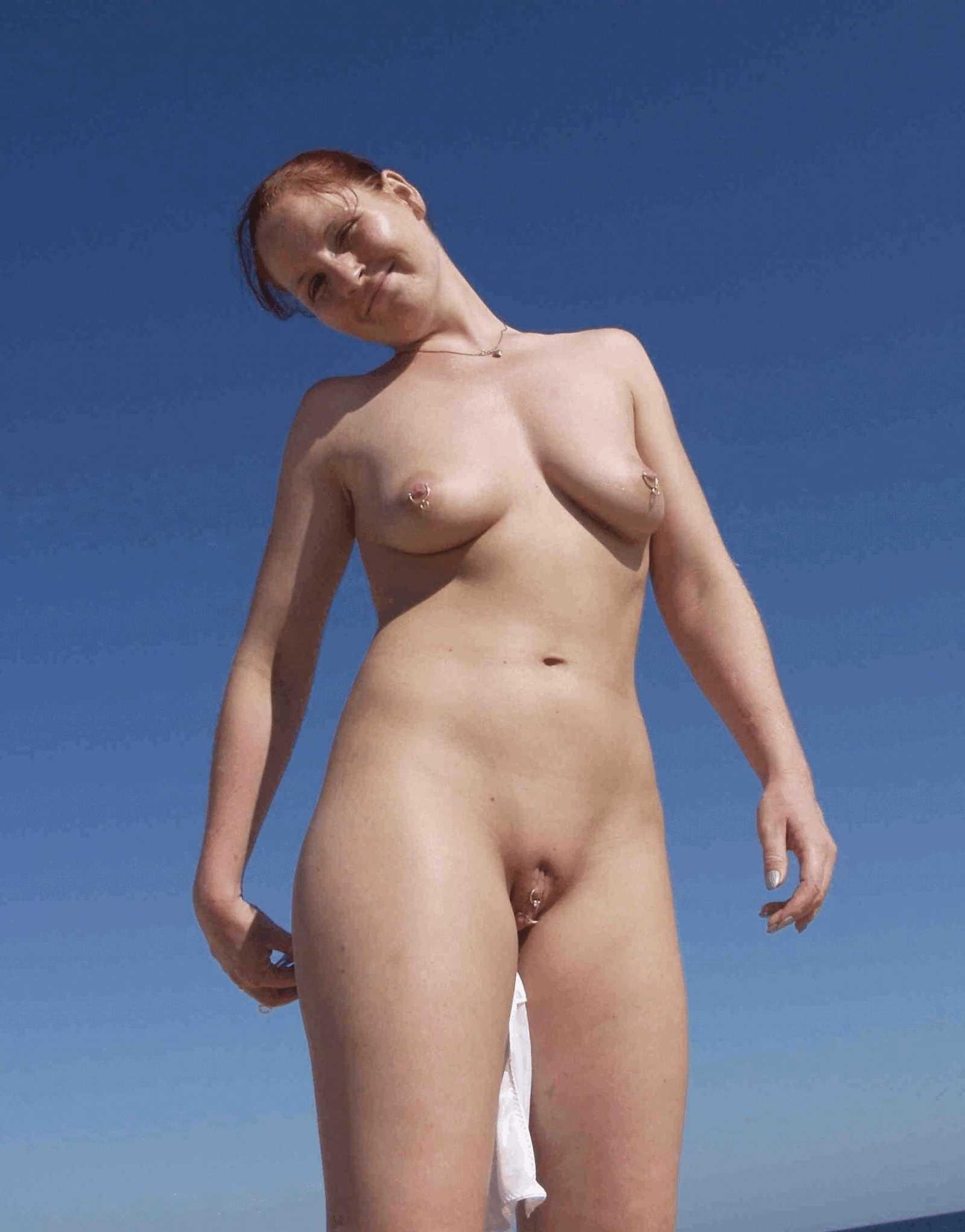 Фото голых женщин с пирсингом 12 фотография