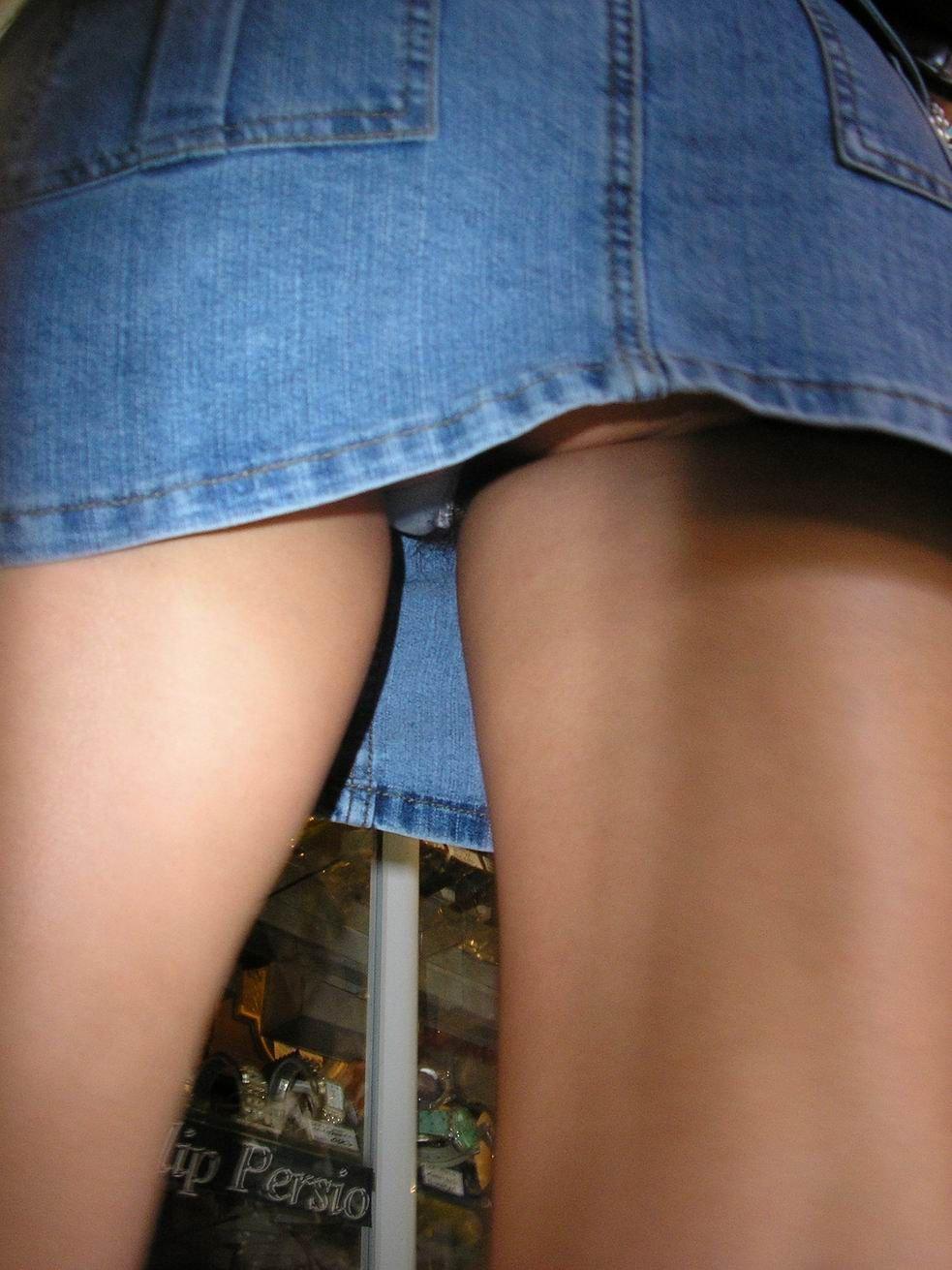 Засвет Пэрис Хилтон. Заглядываем под юбку (9 фото) » ANTIF.RU