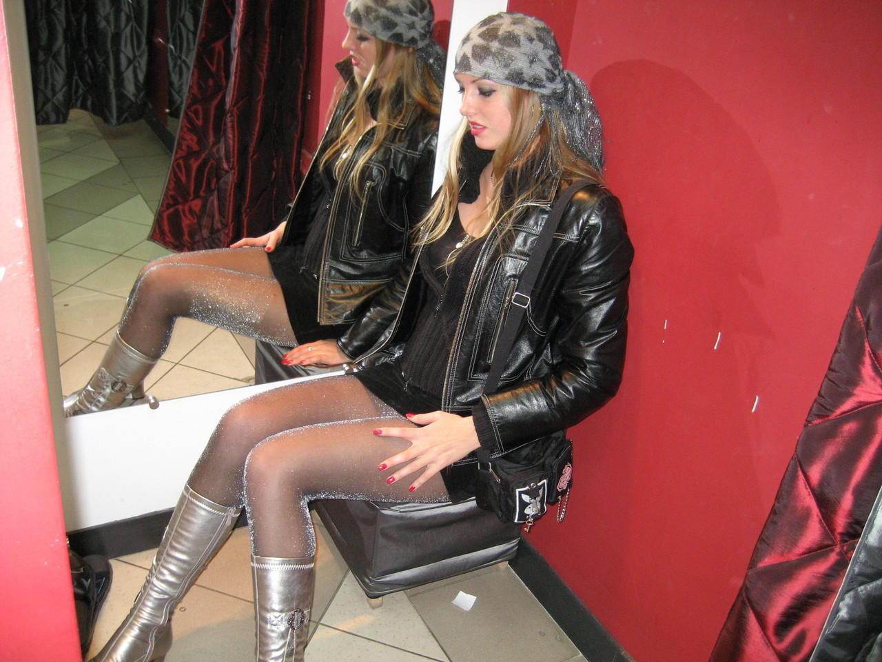 Сексапильные девушки в колготках и в сапогах 11 фотография