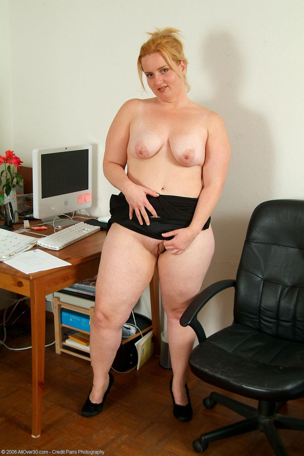 Толсты женщины голые 21 фотография