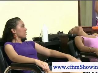 Cfnm Обнаженного Мужчины Служит Женщин В Парикмахеры