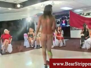Cfnm Супер Сексуальными Bachelorette Party