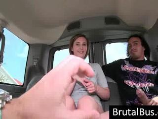 Шлюха Дает Мастурбирует В Автобусе