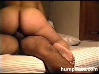Латинской Жена С Большой Добычей Верховой Езды Hubbys Петух