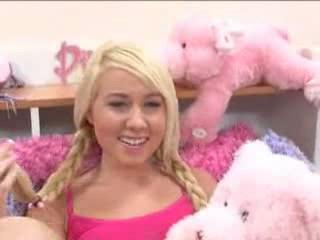 Блондинка Мило Подросток Детка Первый Раз Секс На 18