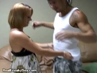 Блондинка Удивляет Ее Свидание С Ее Собственный Хвост