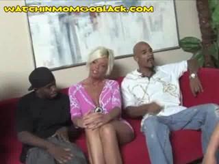 Три Черных Cockss Для Сексуальных BlondeMom
