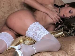 Unbeliveably Hot Babe В Белых Штанах