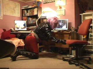 Roxina2008BustyLadyGirlPornSlut010908XL