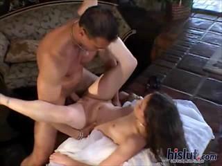 Jassie Получает Оргазм