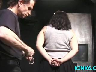 Шлюха связанная по рукам и ногам Чтобы Свинья