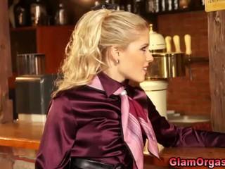 Гламурная Блондинка В Чулках