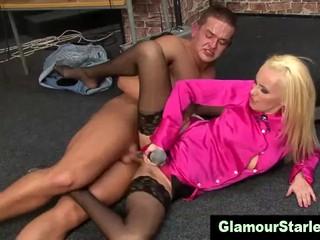 Стильный Чулок Сука Получает Seks
