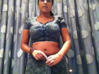 Горячий Сексуальный Северо-Индийская Девушка Одета За Сари 2