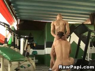 Гей Дикий Хардкор Секс В Тренажерном Зале