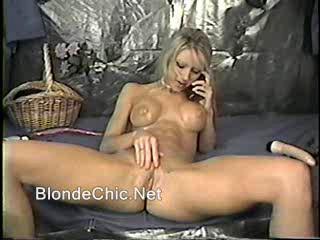 Блондинка Задница Становится Красным