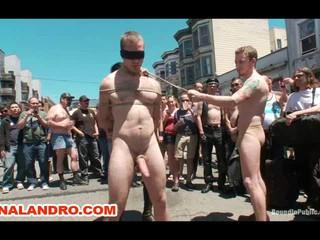 Голый Связали Молнии Униженным Гей В Общественных