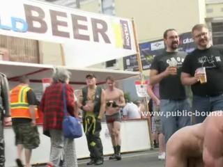Сильный Раб Вынужден Пожалуйста Странный Неприятный Мужчин В Жесткий Секс Групповуха Видео