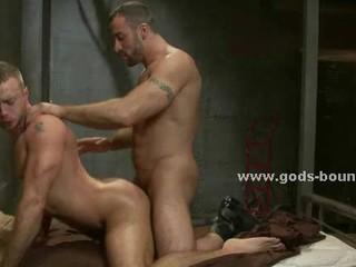 Спортивные Gay Кусок С Сильными Мышцами И Фирмы Вкусные Тела Порку Человек В Рабстве Экстремальный С