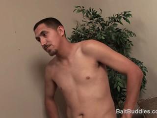 Str8 Latino С 10-Дюймовым Член Получает Несолоно