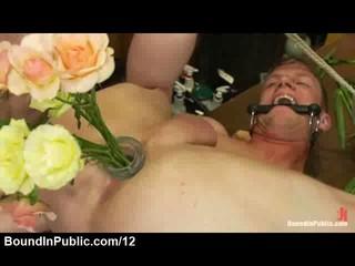 Gay Прикладом Забитые Букет Роз В Цветочный Магазин
