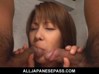Petite Азии Cougar Получает Грязный Creampie