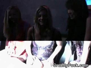 Roudy Женщин В Клуб Сосала Член Как Группа