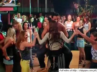 Вкусно Милые Девушки Танцуют