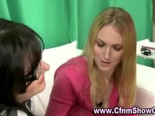 Любитель Девушек Бриться CFNM Ребята Член И яйца