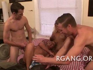 Мужчины Удовлетворяют Свои Горячие GMS