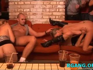 Групповой Секс С Горячих Девушек