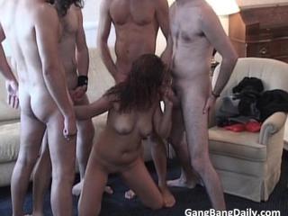 Греческий Gang Bang Секс Действий С Группой Horny Шпильки Которые Заполните Шлюха Отверстия С Затвер