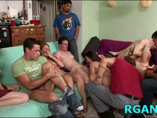 Приятели Удовлетворить Сексуальные Сучки