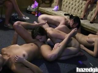 Групповой Секс Подростков Партии