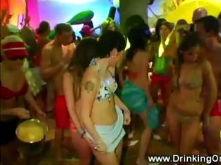 Pornstars Бикини Вечеринка В Клубе