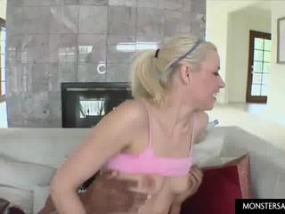 Блондинка Раздавлен Черный Дик