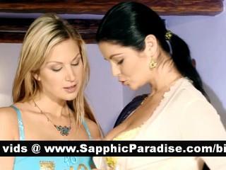 Превосходно Блондинка И Brunette Лесбиянок Целуя И Облизывая Ниппели И Имеющие Лесбийской Любви