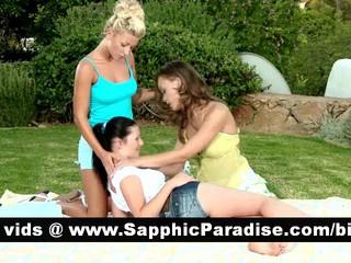 Потрясающие Brunette И Блондинка Или Рыжая Лесбиянки Целоваться И Раздеваться В Три Пути Лесбийские