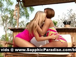 Горячий Рыжий И Блондинки Лесбиянки Целуются И Раздеваешься И Имея Лесбийской Любви