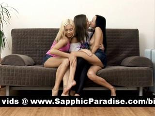 Чувственная Брюнетка И Блондинка Лесбиянки Целуются В Великой Три Пути Лесбийские Оргии