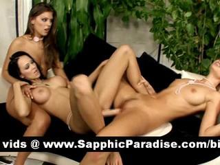 Ангельский Brunette Лесбиянок Двойной Фаллоимитатор Играющая Киску И Имея Лесбийский Секс