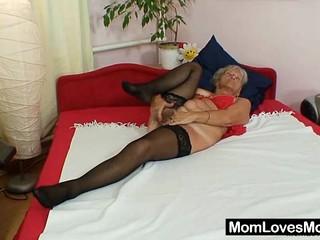Уродливые Бабушка Сесили Гулбраар Игрушки Ее Мохнатые Киски