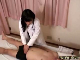 Японский Hottie Медсестра Получает Грязные
