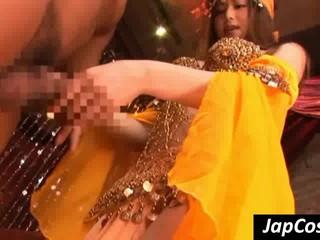 Косплей-Сценка С Азиатской Танцор Sucking Cock