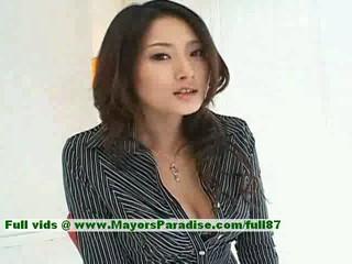 Риза Азиатская Модель Дает Горячий Минет Чтобы Ее Парень