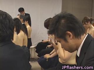 Бесплатный Яв Азиатских Девочек Ходят В Церковь